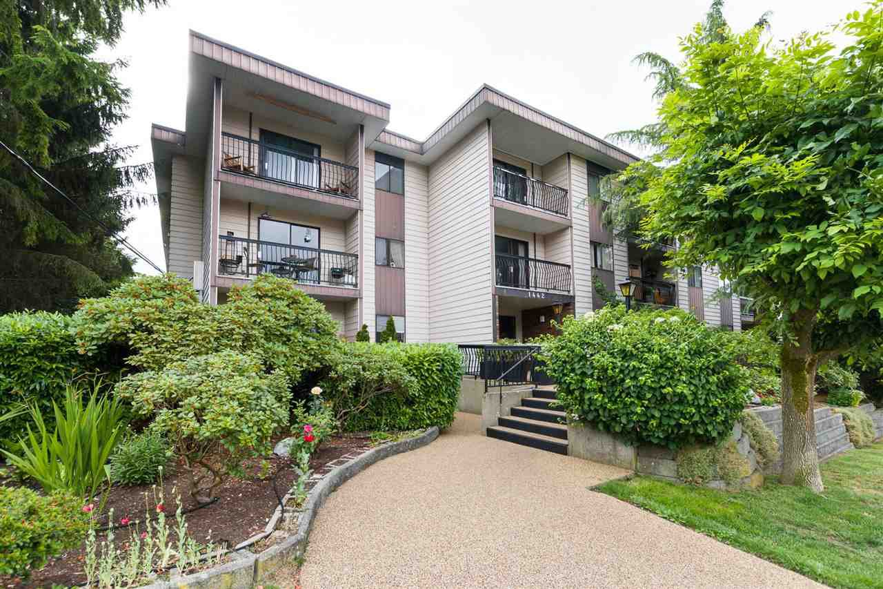 "Main Photo: 106 1442 BLACKWOOD Street: White Rock Condo for sale in ""BLACKWOOD MANOR"" (South Surrey White Rock)  : MLS®# R2380049"
