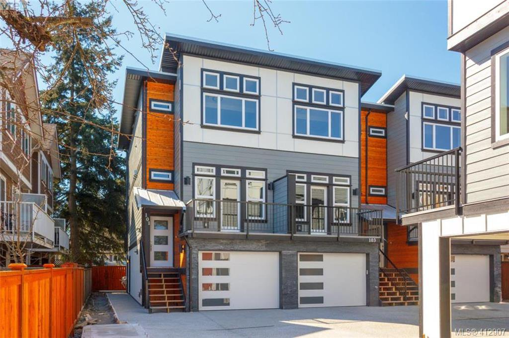 Main Photo: 101 817 Arncote Ave in VICTORIA: La Langford Proper Row/Townhouse for sale (Langford)  : MLS®# 818776