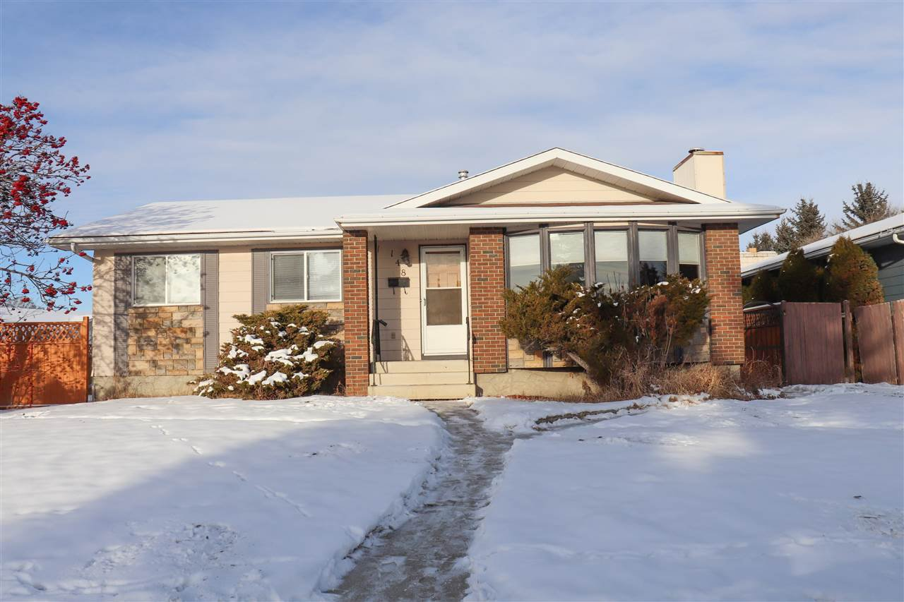 Main Photo: 148 CLAREVIEW Road in Edmonton: Zone 35 House for sale : MLS®# E4182504