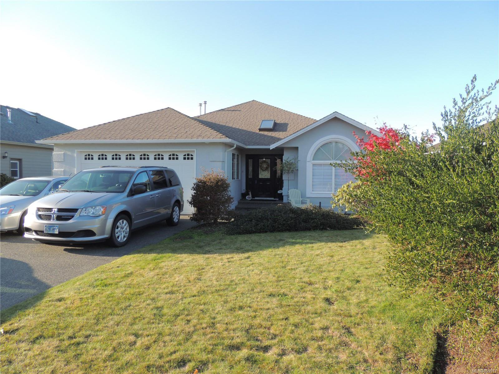 Main Photo: 587 Lowry's Rd in : PQ French Creek House for sale (Parksville/Qualicum)  : MLS®# 859917