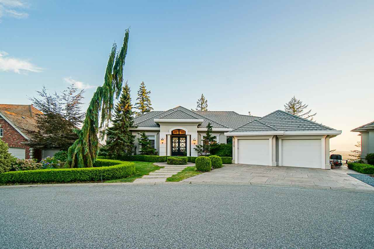 "Main Photo: 35268 HIBISCUS Court in Abbotsford: Abbotsford East House for sale in ""Eagle Mountain"" : MLS®# R2527168"