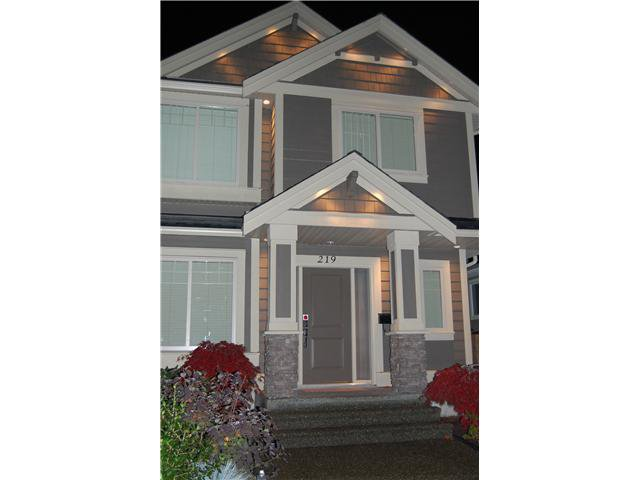 Main Photo: 219 W 19TH Street in North Vancouver: Central Lonsdale House for sale : MLS®# V919581