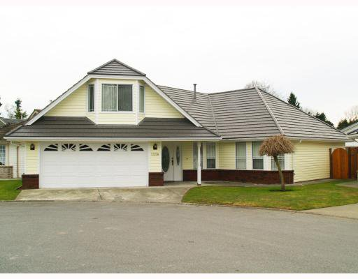Photo 1: Photos: 5258 LABURNUM PARK Place in Ladner: Delta Manor House for sale : MLS®# V754265