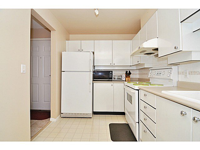 Photo 3: Photos: # 335 5888 DOVER CR in Richmond: Riverdale RI Condo for sale : MLS®# V1012503