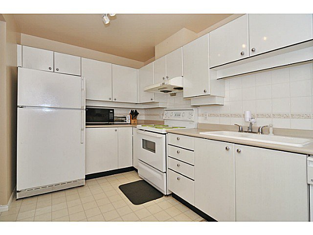 Photo 4: Photos: # 335 5888 DOVER CR in Richmond: Riverdale RI Condo for sale : MLS®# V1012503