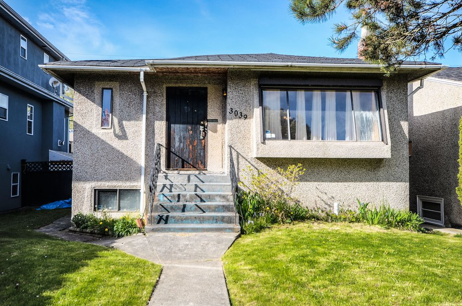 Welcome to 3039 West 16th Avenue, built in 1947.