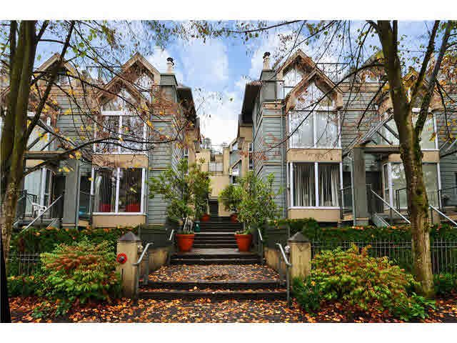 Main Photo: 3015 LAUREL Street in Vancouver: Fairview VW Townhouse for sale (Vancouver West)  : MLS®# V1089768