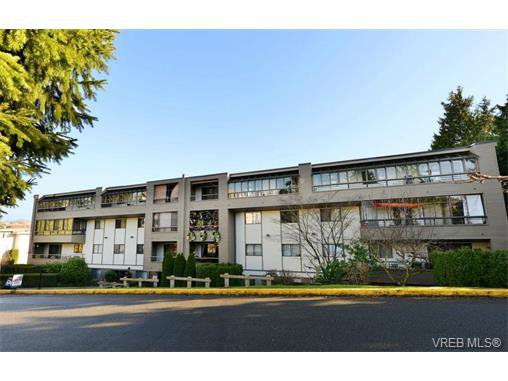 Main Photo: 405 955 Dingley Dell in VICTORIA: Es Kinsmen Park Condo Apartment for sale (Esquimalt)  : MLS®# 718107