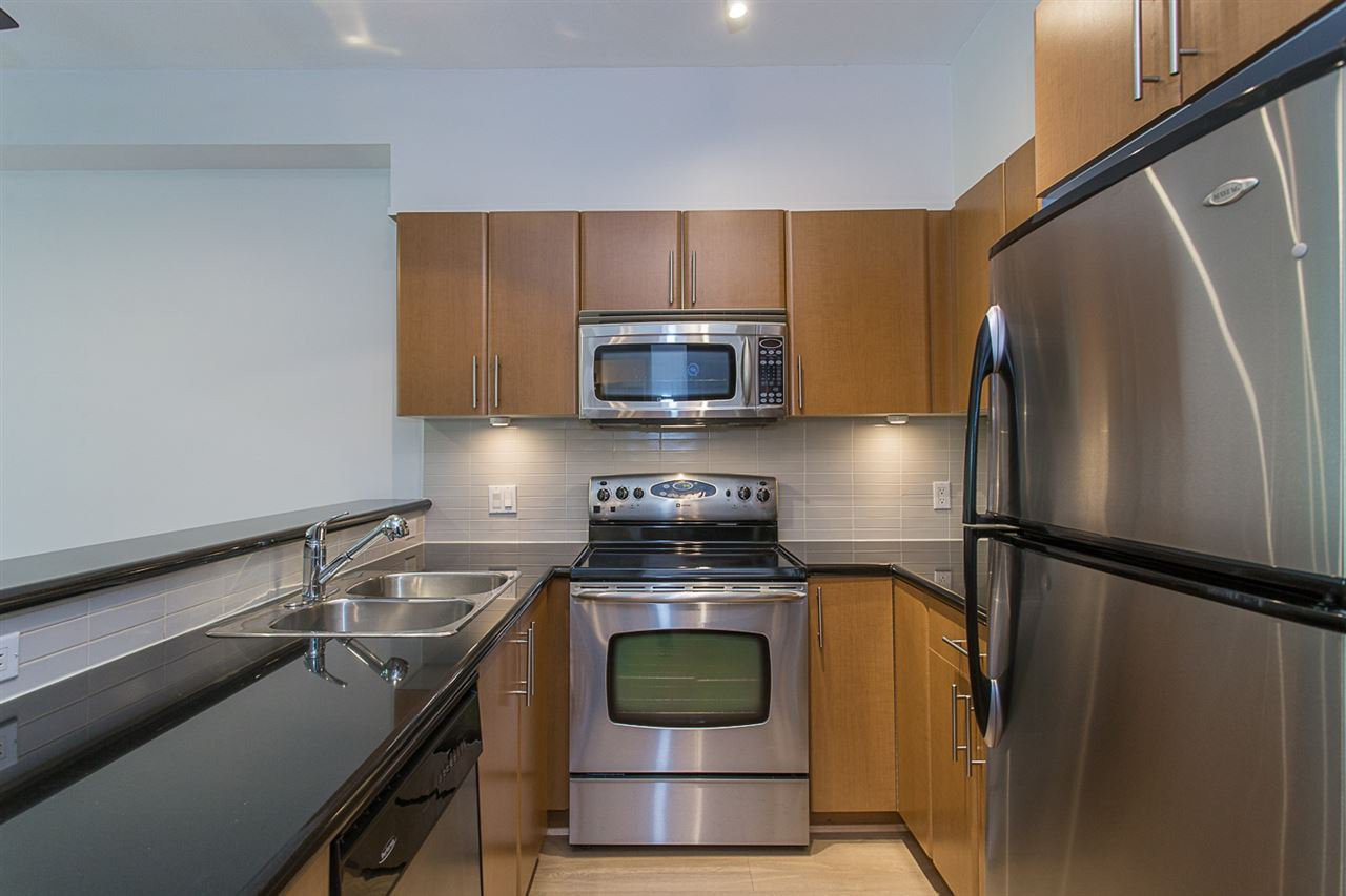 """Photo 3: Photos: 104 2330 WILSON Avenue in Port Coquitlam: Central Pt Coquitlam Condo for sale in """"SHAUGHNESSY WEST"""" : MLS®# R2174446"""