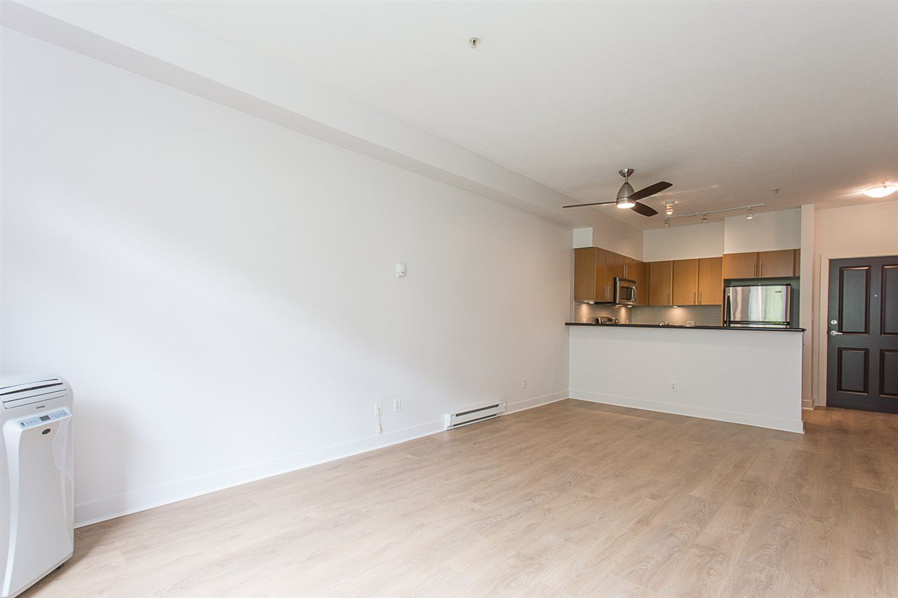"""Photo 7: Photos: 104 2330 WILSON Avenue in Port Coquitlam: Central Pt Coquitlam Condo for sale in """"SHAUGHNESSY WEST"""" : MLS®# R2174446"""