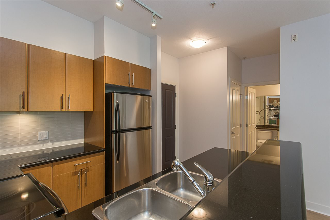 """Photo 4: Photos: 104 2330 WILSON Avenue in Port Coquitlam: Central Pt Coquitlam Condo for sale in """"SHAUGHNESSY WEST"""" : MLS®# R2174446"""