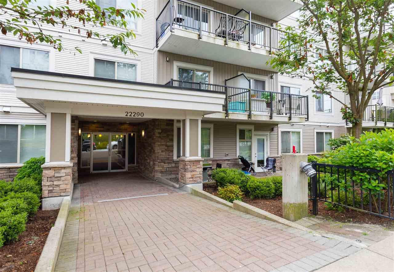 """Main Photo: 409 22290 NORTH Avenue in Maple Ridge: West Central Condo for sale in """"SOLO"""" : MLS®# R2176836"""