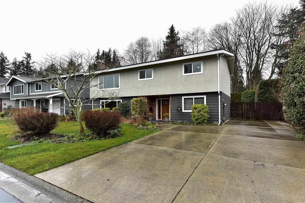 Main Photo: 35 53 Street in Delta: Pebble Hill House for sale (Tsawwassen)  : MLS®# R2183204