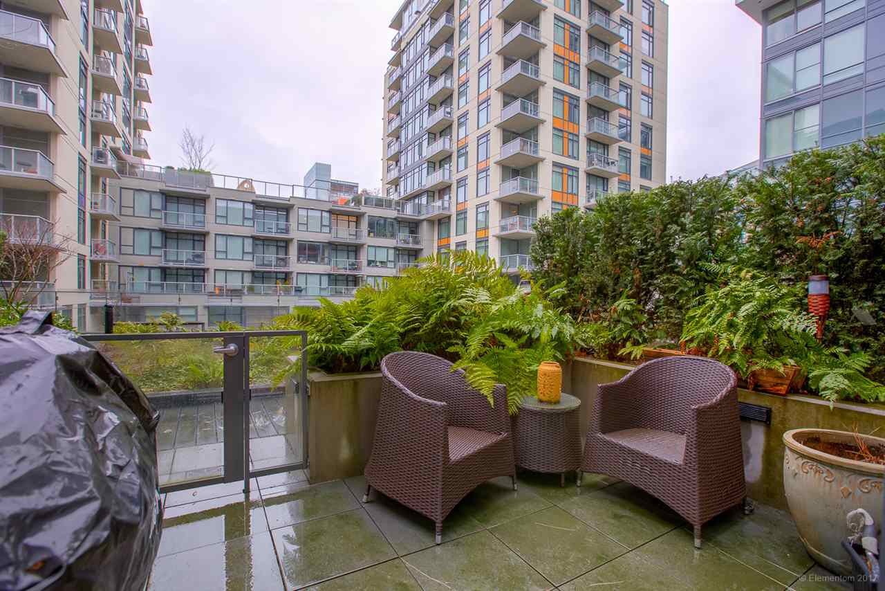 """Photo 14: Photos: 223 1783 MANITOBA Street in Vancouver: False Creek Condo for sale in """"RESIDENCE AT WEST"""" (Vancouver West)  : MLS®# R2235634"""
