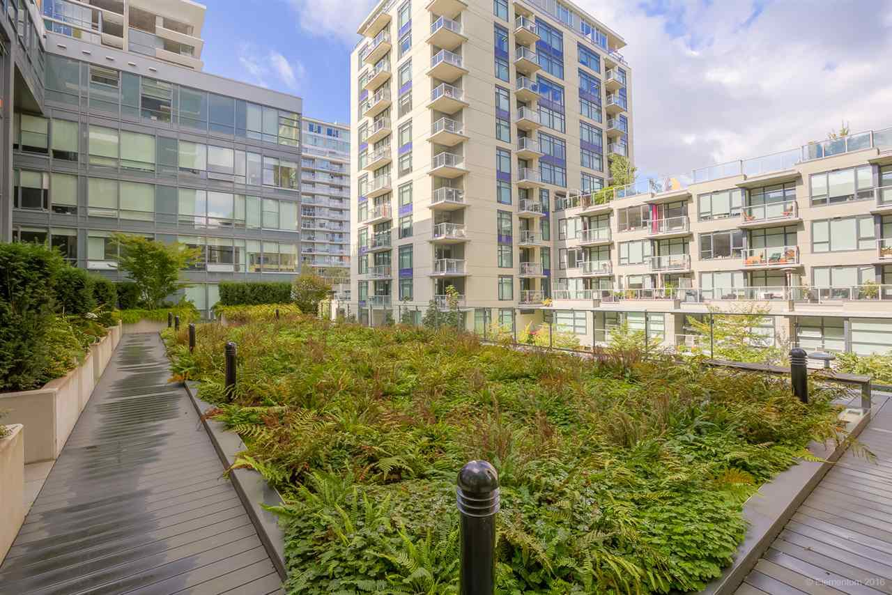 """Photo 15: Photos: 223 1783 MANITOBA Street in Vancouver: False Creek Condo for sale in """"RESIDENCE AT WEST"""" (Vancouver West)  : MLS®# R2235634"""
