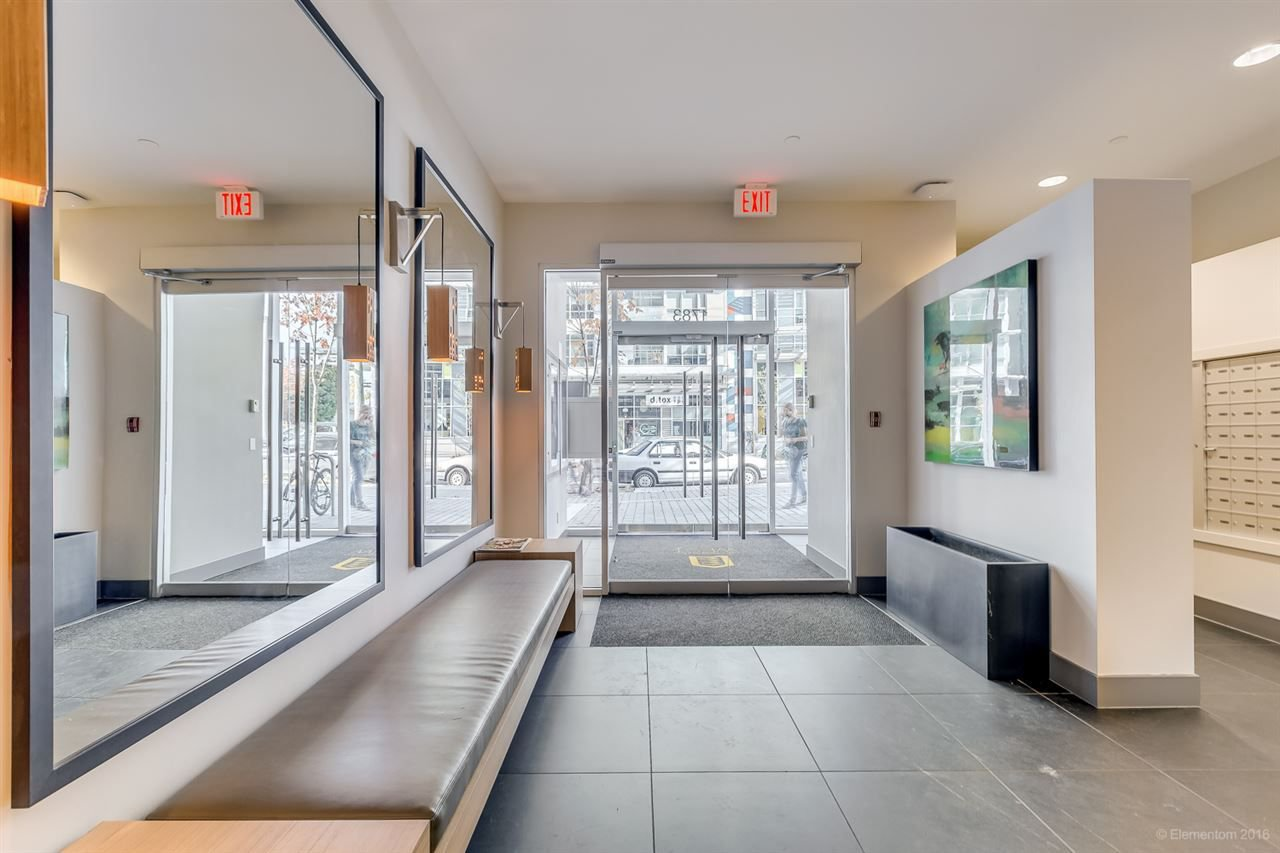"""Photo 3: Photos: 223 1783 MANITOBA Street in Vancouver: False Creek Condo for sale in """"RESIDENCE AT WEST"""" (Vancouver West)  : MLS®# R2235634"""