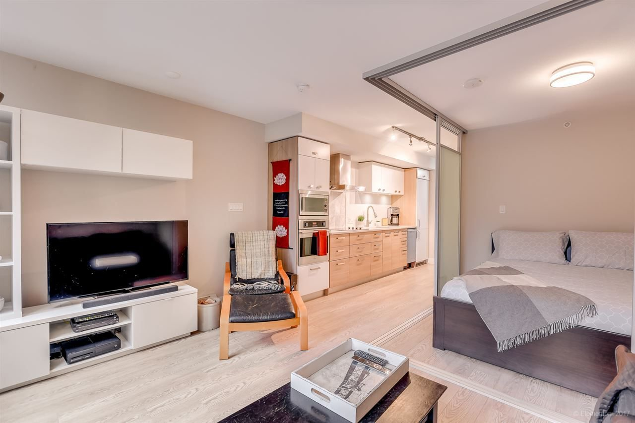 """Photo 5: Photos: 223 1783 MANITOBA Street in Vancouver: False Creek Condo for sale in """"RESIDENCE AT WEST"""" (Vancouver West)  : MLS®# R2235634"""