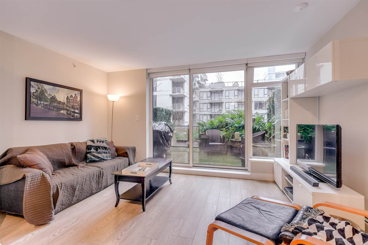 """Photo 4: Photos: 223 1783 MANITOBA Street in Vancouver: False Creek Condo for sale in """"RESIDENCE AT WEST"""" (Vancouver West)  : MLS®# R2235634"""