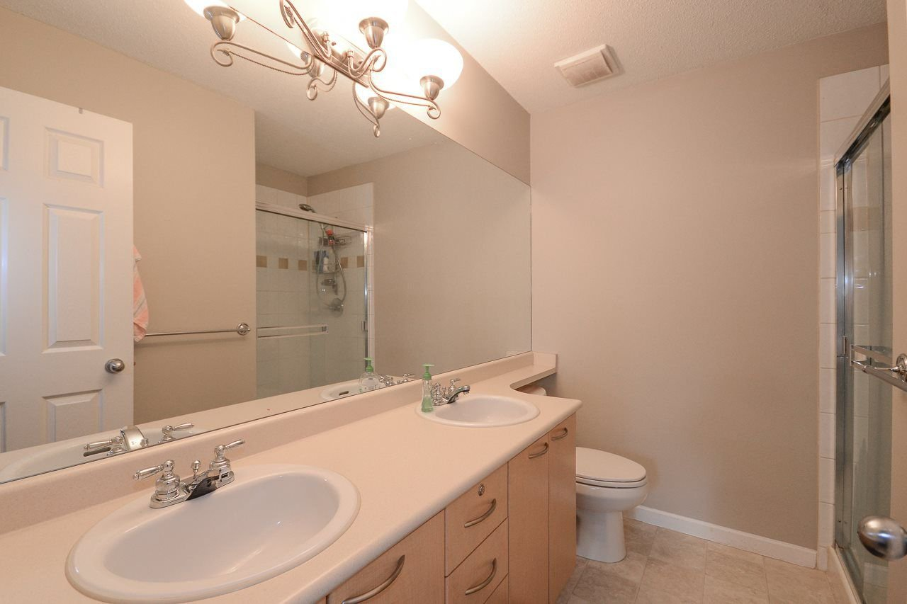 """Photo 11: Photos: 62 12778 66 Avenue in Surrey: West Newton Townhouse for sale in """"HATHAWAY VILLAGE"""" : MLS®# R2242633"""