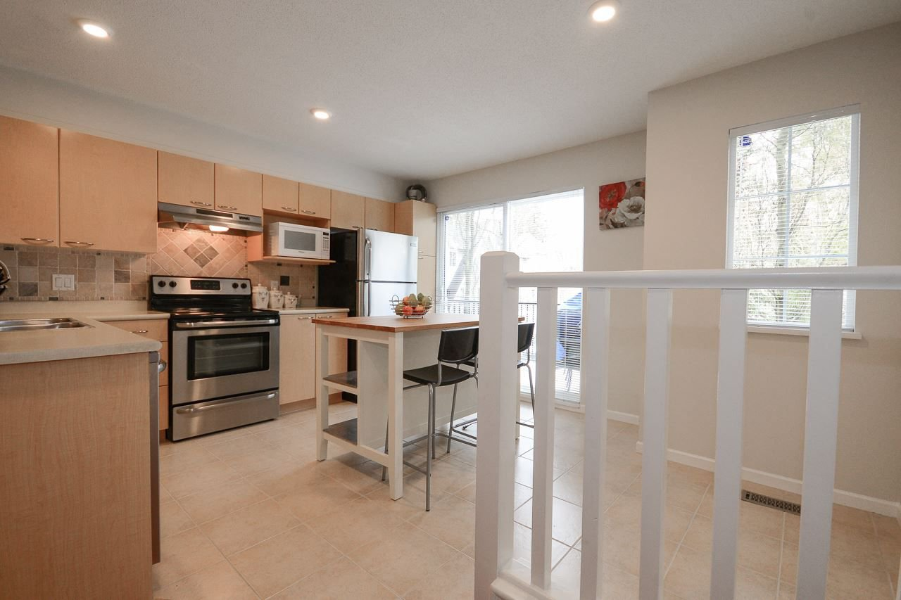 """Photo 8: Photos: 62 12778 66 Avenue in Surrey: West Newton Townhouse for sale in """"HATHAWAY VILLAGE"""" : MLS®# R2242633"""