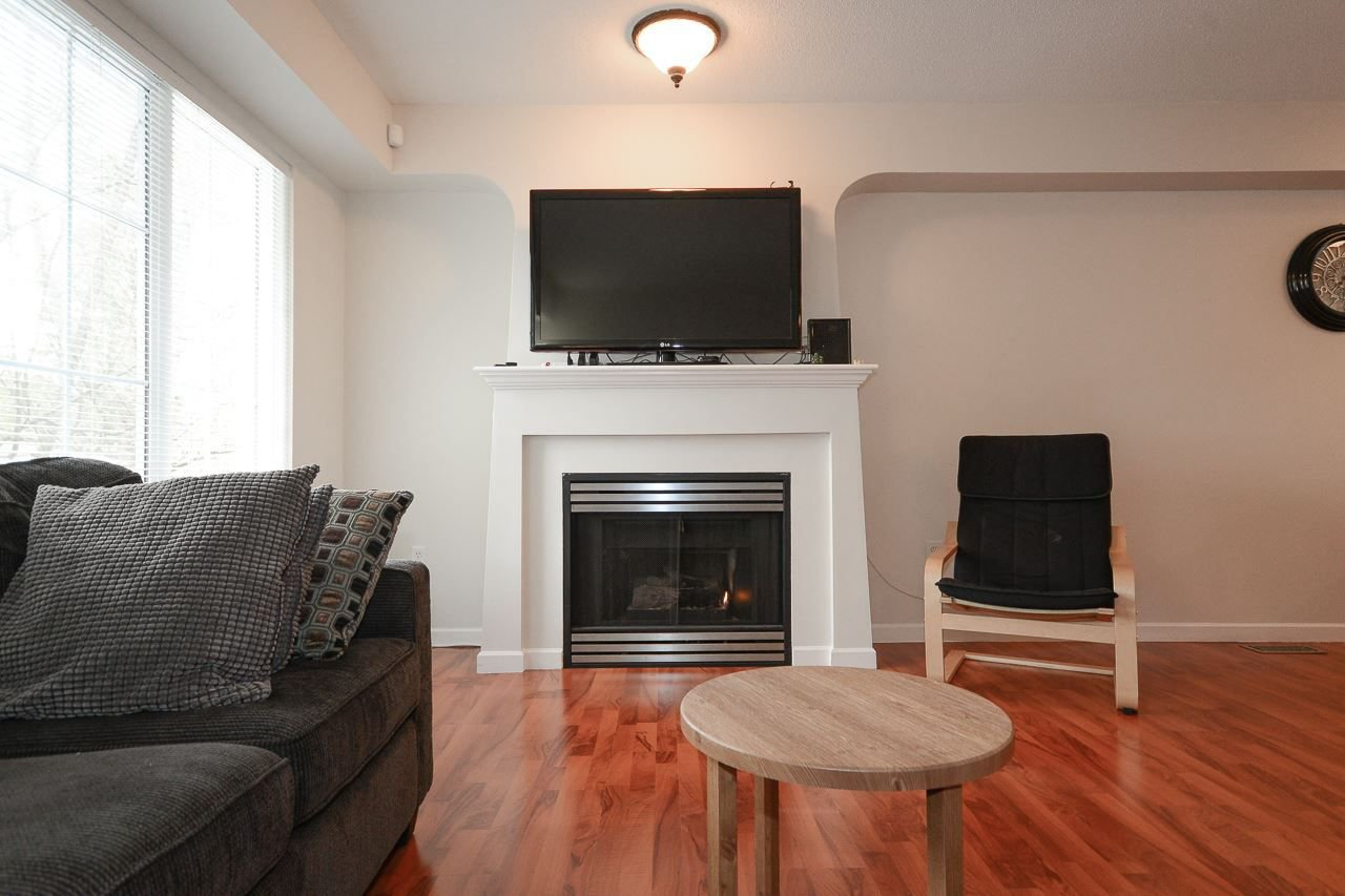 """Photo 3: Photos: 62 12778 66 Avenue in Surrey: West Newton Townhouse for sale in """"HATHAWAY VILLAGE"""" : MLS®# R2242633"""