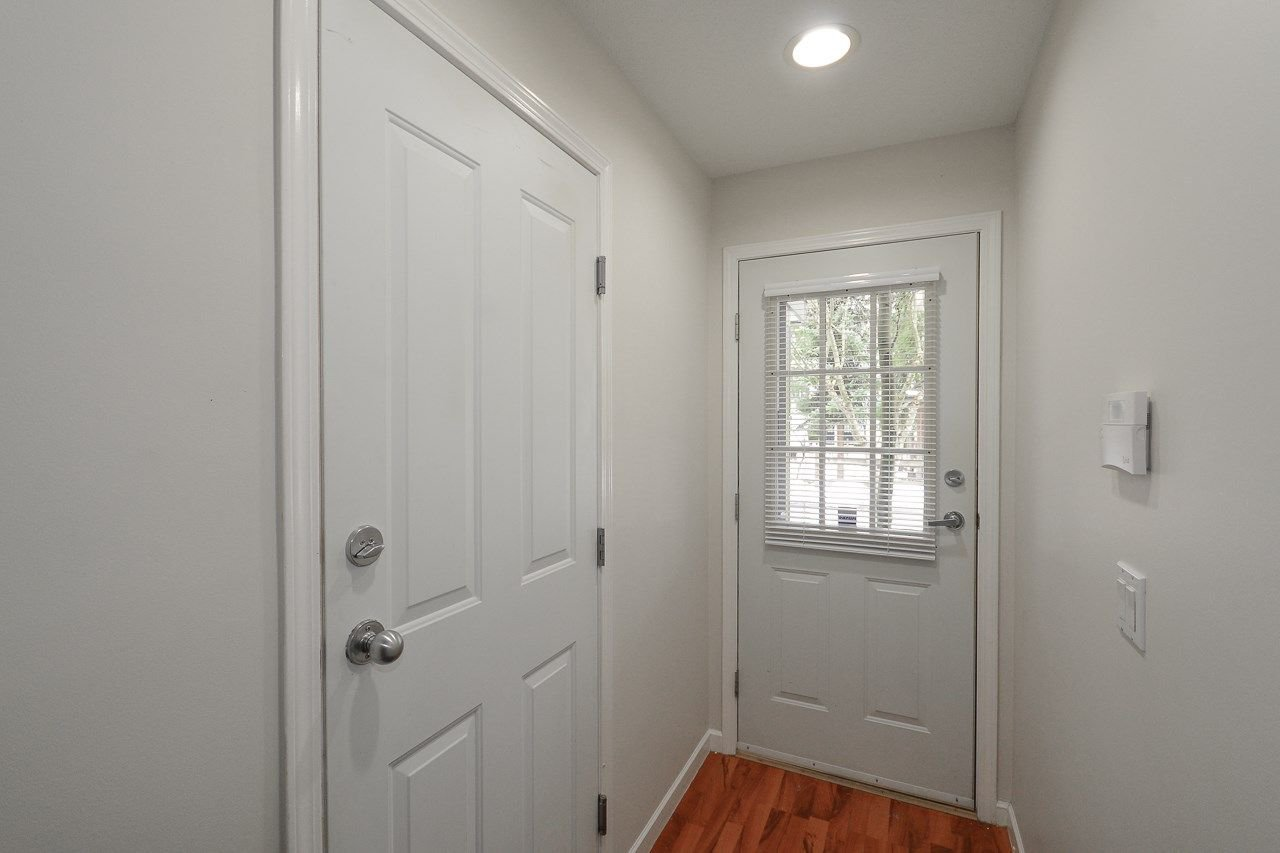 """Photo 14: Photos: 62 12778 66 Avenue in Surrey: West Newton Townhouse for sale in """"HATHAWAY VILLAGE"""" : MLS®# R2242633"""