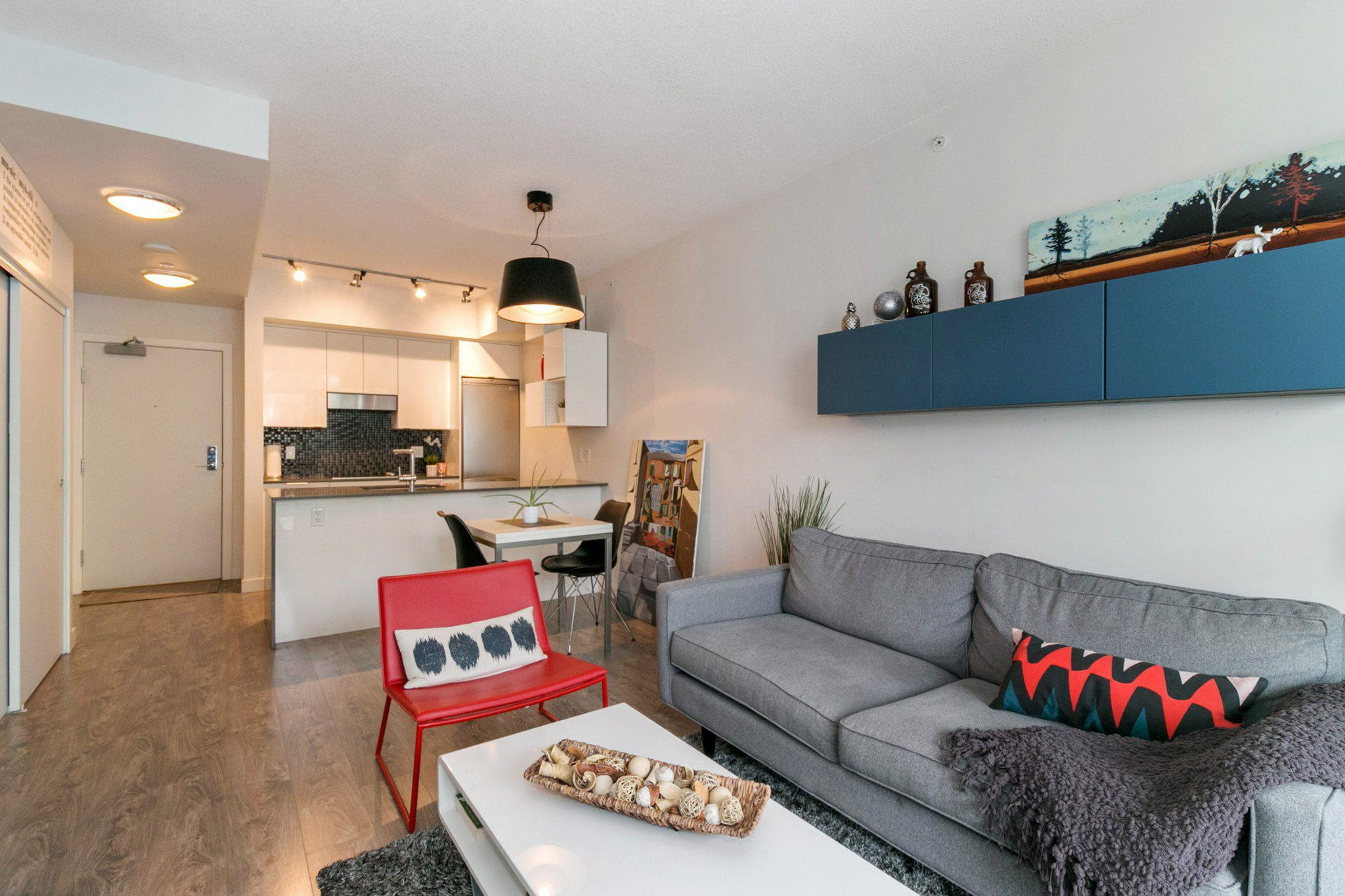 """Photo 2: Photos: 706 2788 PRINCE EDWARD Street in Vancouver: Mount Pleasant VE Condo for sale in """"UPTOWN BY CONCORD"""" (Vancouver East)  : MLS®# R2300418"""