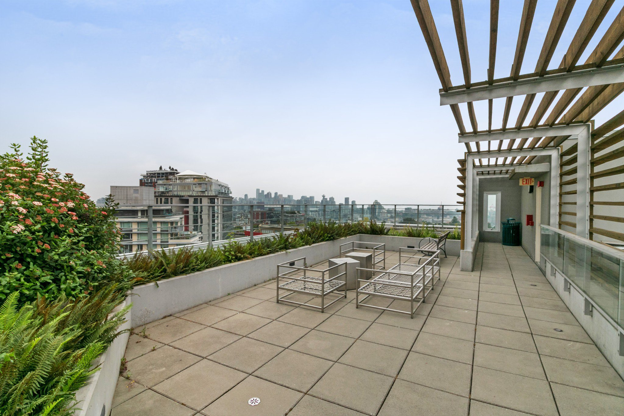"""Photo 11: Photos: 706 2788 PRINCE EDWARD Street in Vancouver: Mount Pleasant VE Condo for sale in """"UPTOWN BY CONCORD"""" (Vancouver East)  : MLS®# R2300418"""
