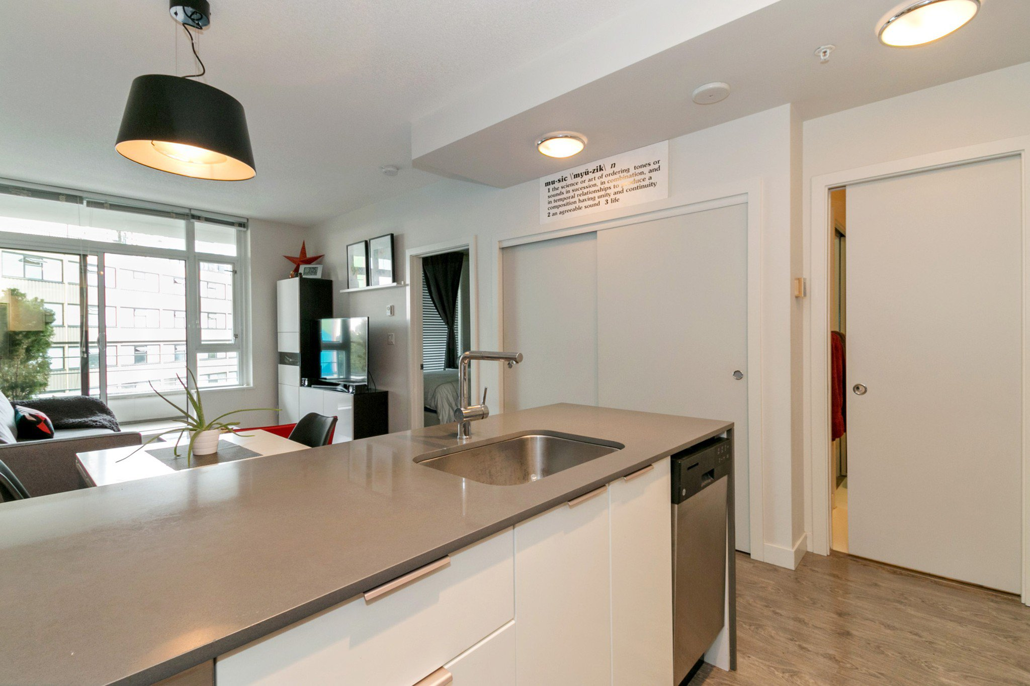 """Photo 5: Photos: 706 2788 PRINCE EDWARD Street in Vancouver: Mount Pleasant VE Condo for sale in """"UPTOWN BY CONCORD"""" (Vancouver East)  : MLS®# R2300418"""