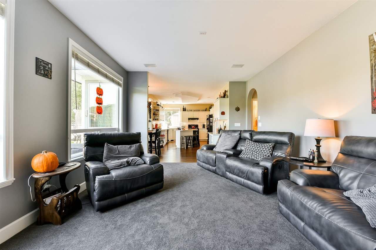 "Photo 12: Photos: 16441 GLENSIDE Court in Surrey: Fraser Heights House for sale in ""Fraser Glen"" (North Surrey)  : MLS®# R2317953"