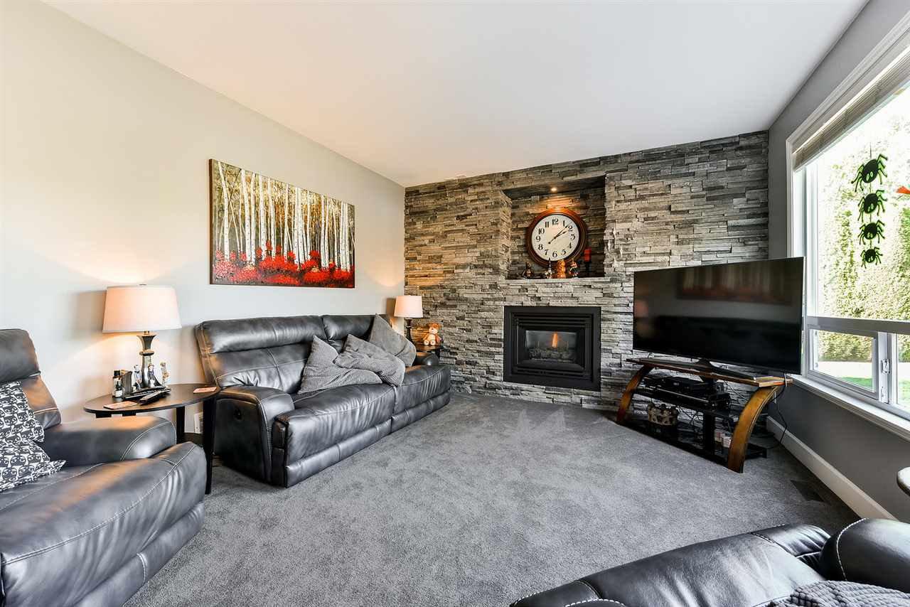 "Photo 11: Photos: 16441 GLENSIDE Court in Surrey: Fraser Heights House for sale in ""Fraser Glen"" (North Surrey)  : MLS®# R2317953"