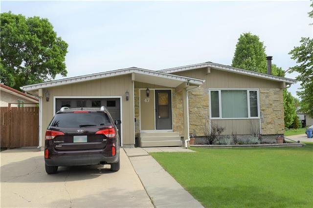 Main Photo: 47 Forest Lake Drive in Winnipeg: Waverley Heights Residential for sale (1L)  : MLS®# 1831974