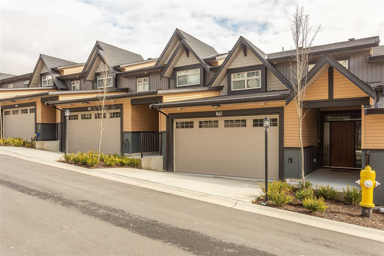 "Main Photo: 39 10525 240 Street in Maple Ridge: Albion Townhouse for sale in ""MAGNOLIA GROVE"" : MLS®# R2348928"
