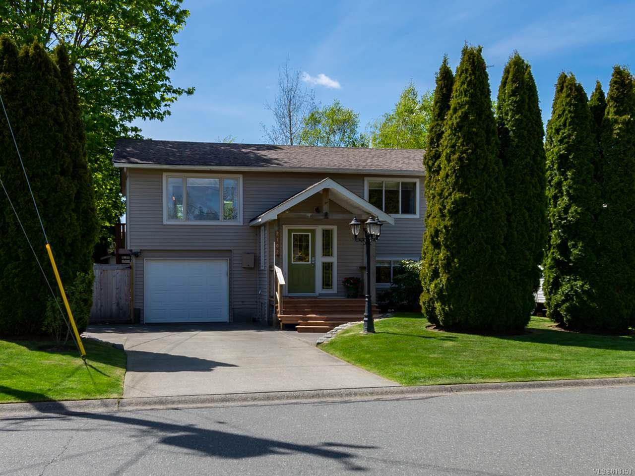 Main Photo: 2102 Arnason Rd in CAMPBELL RIVER: CR Willow Point House for sale (Campbell River)  : MLS®# 813353