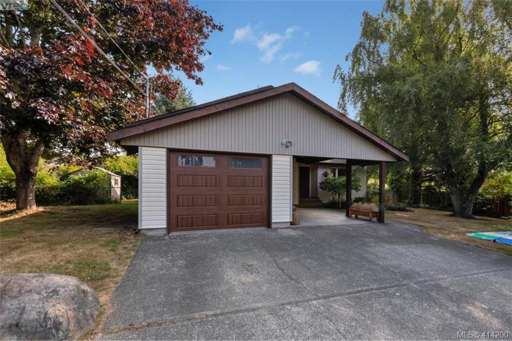 Main Photo: 1985 Saunders Road in SOOKE: Sk Sooke Vill Core Single Family Detached for sale (Sooke)  : MLS®# 414200