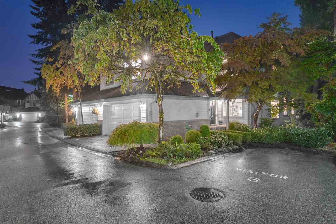 """Main Photo: 1 1 ASPENWOOD Drive in Port Moody: Heritage Woods PM Townhouse for sale in """"SUMMIT POINTE"""" : MLS®# R2409770"""