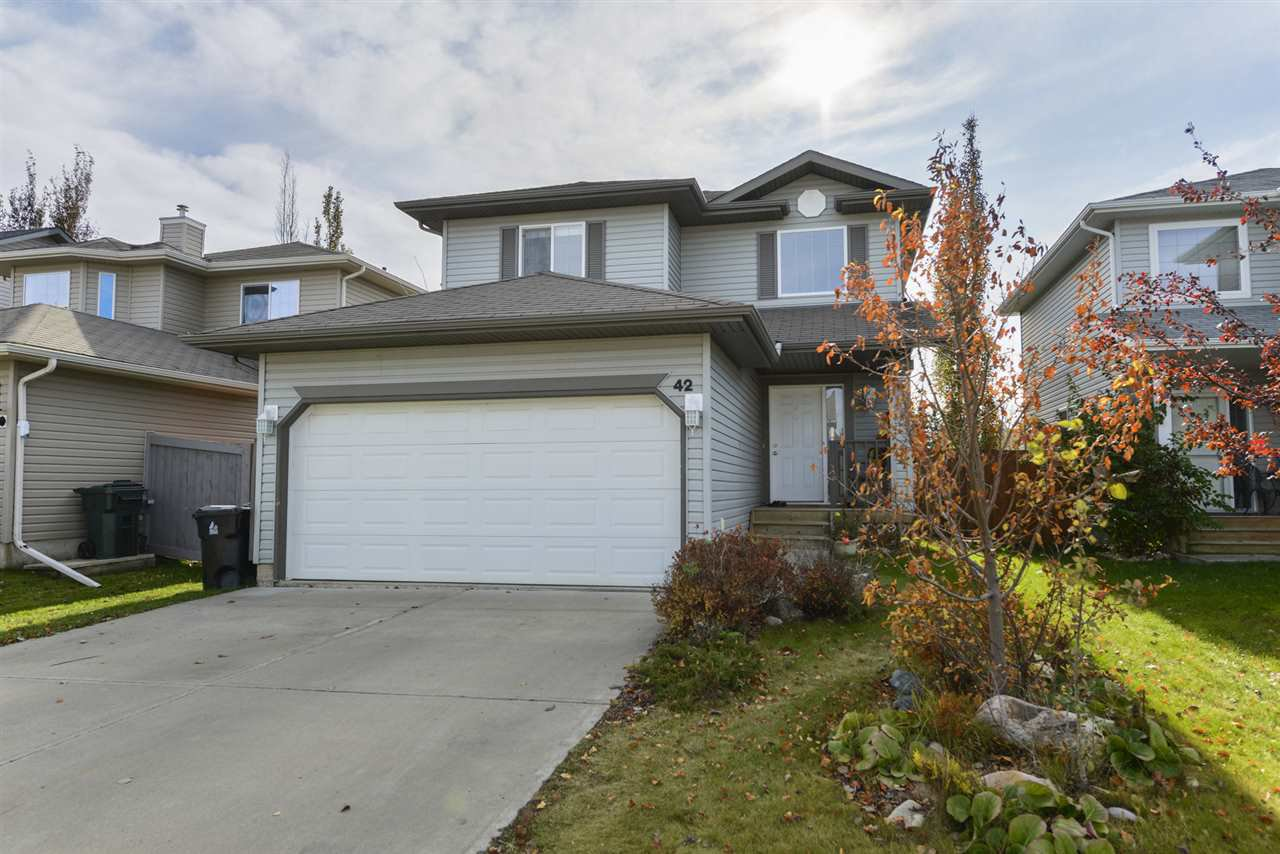 Main Photo: 42 GREYSTONE Crescent: Spruce Grove House for sale : MLS®# E4177433