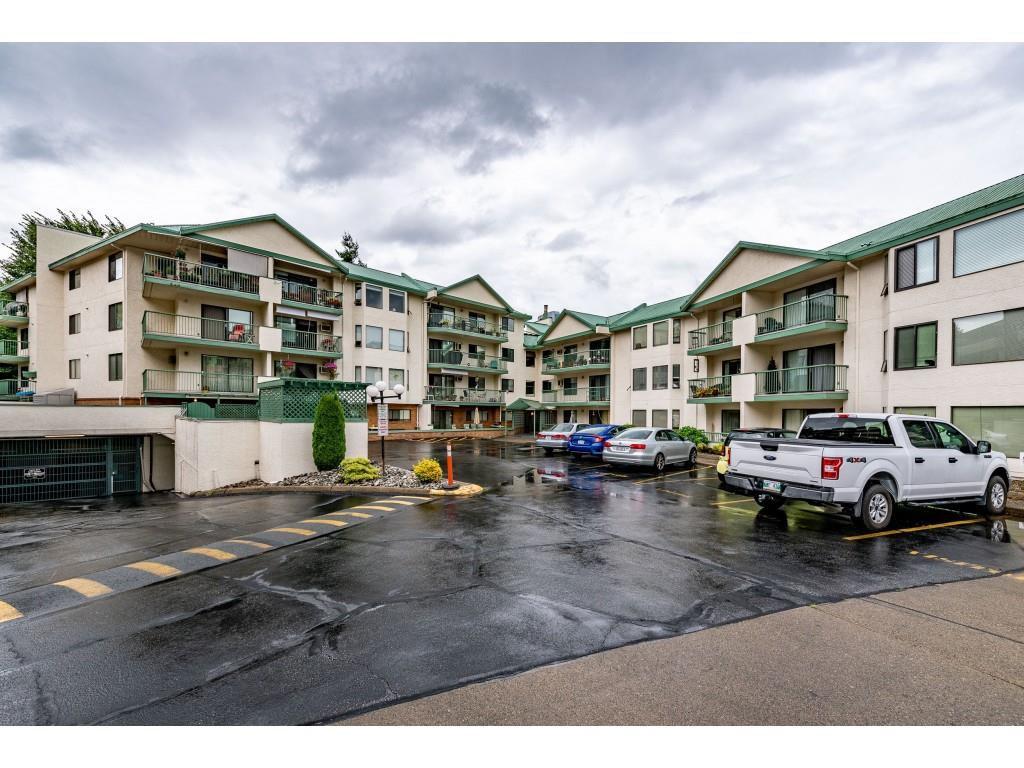 """Main Photo: 203 2678 MCCALLUM Road in Abbotsford: Central Abbotsford Condo for sale in """"PANAROMA TERRACE"""" : MLS®# R2489142"""