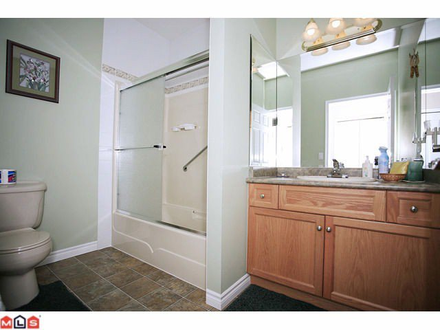 """Photo 7: Photos: 8 34159 FRASER Street in Abbotsford: Central Abbotsford Townhouse for sale in """"EMERALD PLACE"""" : MLS®# F1111279"""