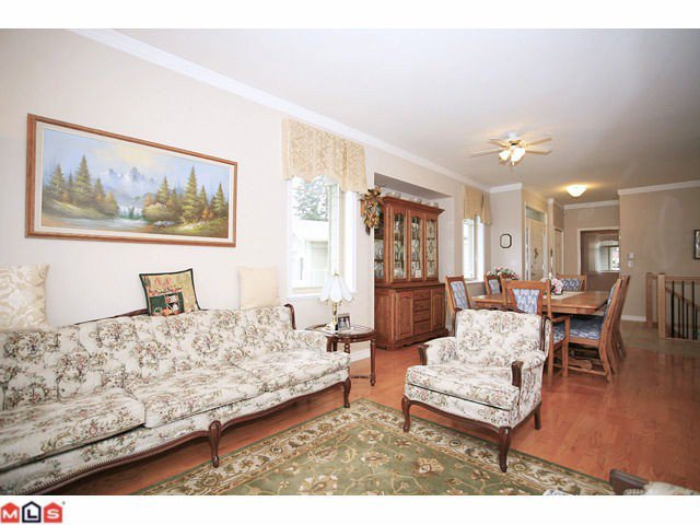 """Photo 3: Photos: 8 34159 FRASER Street in Abbotsford: Central Abbotsford Townhouse for sale in """"EMERALD PLACE"""" : MLS®# F1111279"""