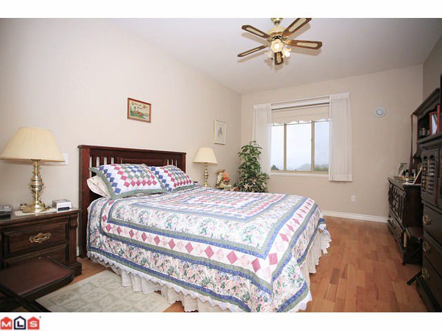 """Photo 6: Photos: 8 34159 FRASER Street in Abbotsford: Central Abbotsford Townhouse for sale in """"EMERALD PLACE"""" : MLS®# F1111279"""