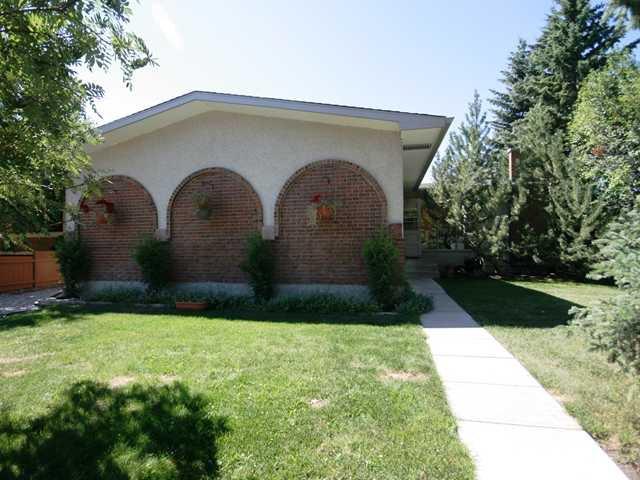 Main Photo: 10815 BRAE Place SW in CALGARY: Braeside Braesde Est Residential Detached Single Family for sale (Calgary)  : MLS®# C3484308