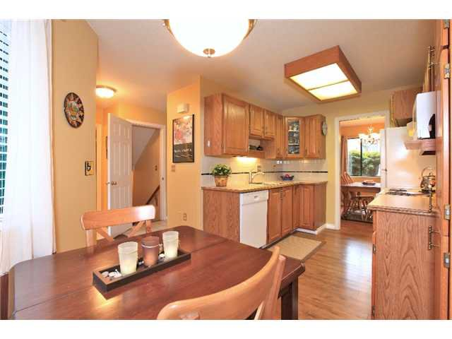 Main Photo: 7 237 W 16TH Street in North Vancouver: Central Lonsdale Townhouse for sale : MLS®# V1043211