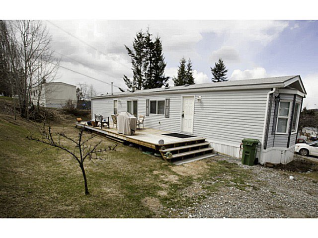 "Main Photo: 33 997 20 Highway in Williams Lake: Williams Lake - Rural West Manufactured Home for sale in ""CHILTCOTIN ESTATES"" (Williams Lake (Zone 27))  : MLS®# N234387"
