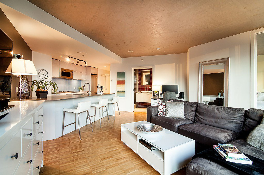 """Photo 2: Photos: 1407 128 W CORDOVA Street in Vancouver: Downtown VW Condo for sale in """"Woodwards W43"""" (Vancouver West)  : MLS®# V1084307"""
