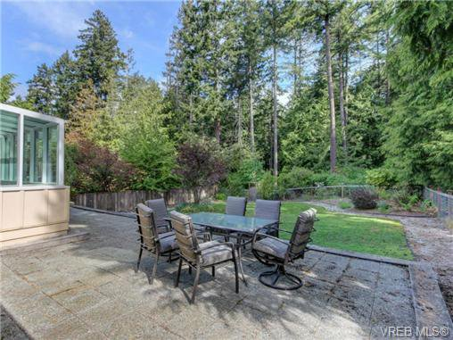 Photo 8: Photos: 1638 Mayneview Terr in NORTH SAANICH: NS Dean Park House for sale (North Saanich)  : MLS®# 704978