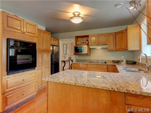 Photo 5: Photos: 1638 Mayneview Terr in NORTH SAANICH: NS Dean Park House for sale (North Saanich)  : MLS®# 704978