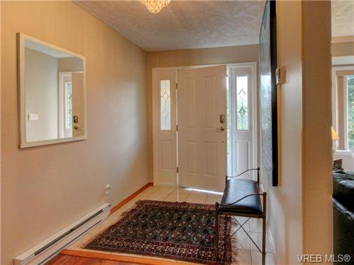 Photo 16: Photos: 1638 Mayneview Terr in NORTH SAANICH: NS Dean Park House for sale (North Saanich)  : MLS®# 704978