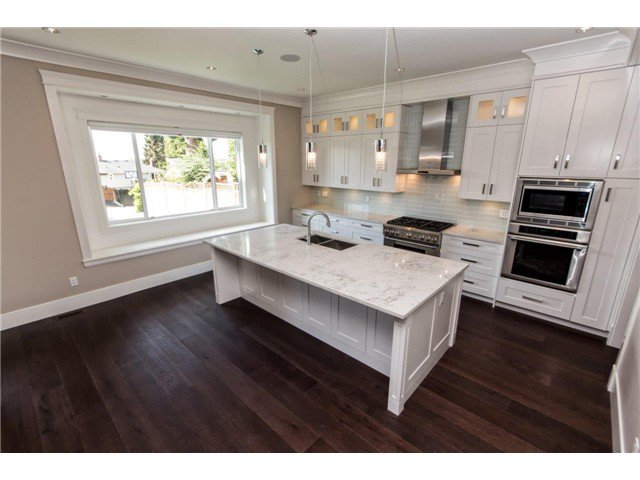"""Photo 7: Photos: 733 E 7TH Street in North Vancouver: Queensbury House for sale in """"QUEENSBURY"""" : MLS®# V1129157"""