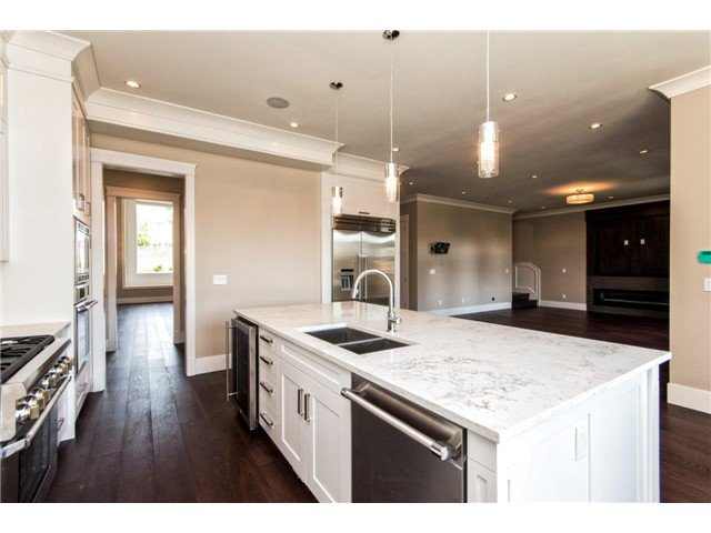 """Photo 6: Photos: 733 E 7TH Street in North Vancouver: Queensbury House for sale in """"QUEENSBURY"""" : MLS®# V1129157"""